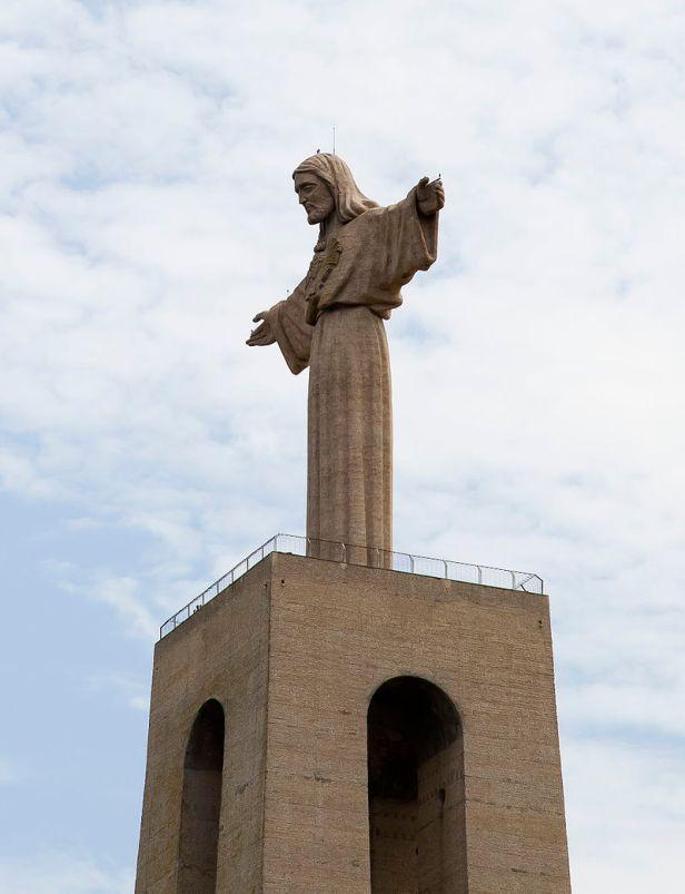 800px-Cristo_Rei,_Lisboa,_Portugal,_2012-05-12,_DD_01